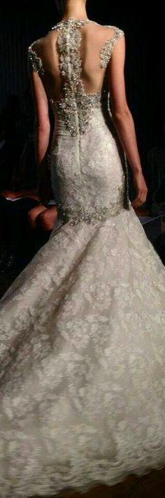 French Boutique, Haute Couture Paris, White Gowns, Fashion Show, Fashion Design, Chiffon Dress, Feminine, Glamour, Style Inspiration