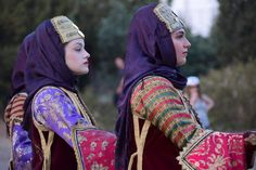 Mediterranean People, Folk Costume, Costumes, Nice Clothes, Traditional Dresses, Cool Outfits, Greek, Fashion, Moda
