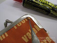Singeri soikoon: Kännykkäkukkaro ja kukkaronkehykset Swiss Army Knife, So Little Time, Suitcase, Crafts, Pouches, Wallets, Fabrics, Swiss Army Pocket Knife, Manualidades