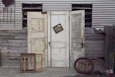 vintage door photobooth- so copying this idea from my first friend KK:)