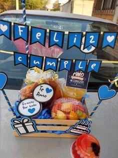 Big Gift Boxes, Diy Gift Box, Anniversary Gift Ideas For Him Boyfriend, Boyfriend Gifts, Diy Gifts For Him, Diy Crafts For Gifts, Birthday Box, Birthday Gifts, Christmas Gift Baskets