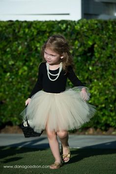 Bringing your daughter to a wedding? Here's a super cute, comfortable outfit idea