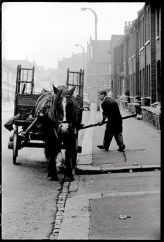 Rag and Bone man 1959 Vintage London, Old London, East London, Old Pictures, Old Photos, Vintage Photos, London History, British History, London Pride