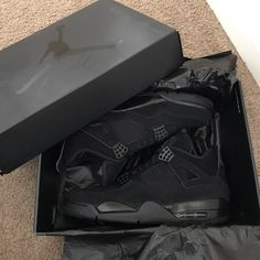 Black Cat 4s.. Never Worn & Ready 2 Ship Dress With Sneakers, Sneakers Fashion, All Black Sneakers, Jordan Shoes Girls, Girls Shoes, Nike Air Shoes, Sneakers Nike, Zapatillas Nike Basketball, Jordan Black Cat