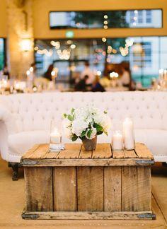 rustic + cozy lounge   Loft Photographie #wedding