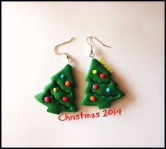 Check out the Rainbow Christmas Tree trend! Handmade dark green Christmas/Xmas tree earrings, with baubles - perfect for a christmas gift! Polymer Clay Ornaments, Polymer Clay Projects, Polymer Clay Charms, Polymer Clay Creations, Handmade Polymer Clay, Polymer Clay Earrings, Clay Crafts, Fimo Clay, Christmas Tree Earrings