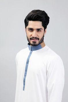 Ultimate White thobe - White two coloured collar Formal Attire For Men, Men Formal, Pathani Suit Men, Boys Kurta Design, Pakistani Kurta, Moslem, Kurta Men, Nigerian Men Fashion, Kurta Patterns