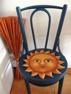 """Se sluncem v duši ... a už vidím ty komenáře... """"v duši? snad v p....i """" :-))))) Stará židle malovaná akrylem, přelakovaná několika vrstvami laku."""