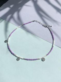Diy Jewelry Unique, Handmade Wire Jewelry, Beaded Jewelry Designs, Bead Jewellery, Cute Jewelry, Diy Bracelets Easy, Summer Bracelets, Beaded Bracelets, Homemade Necklaces