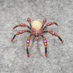 M081 Beaded Christmas Spider