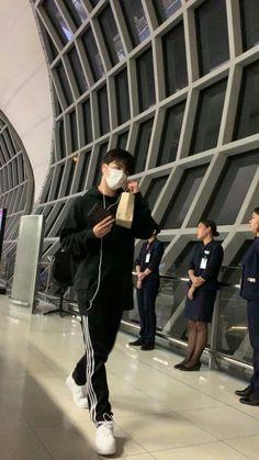 Mon maap june mau jemput gw di bandara:v Jooheon, Winwin, Ikon Kpop, Koo Jun Hoe, Ikon Debut, Ikon Wallpaper, Jay Song, First Boyfriend, Hoshi Seventeen