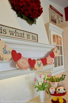 Simple DIY Holiday Decorating Ideas - Valentine's Day Note Card Banner  exquisitelyunremarkable.com