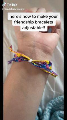 Diy Bracelet Designs, Diy Bracelets Patterns, Yarn Bracelets, Diy Bracelets Easy, Summer Bracelets, Bracelet Crafts, String Bracelets, Diy Friendship Bracelets Tutorial, Friendship Bracelet Patterns