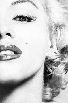 theniftyfifties: Marilyn Monroe