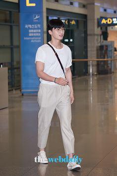 Korean Star, Korean Men, Asian Actors, Korean Actors, Park Seo Joon, Dear Future Husband, Boyfriend Style, Kdrama Actors, Korean Street Fashion
