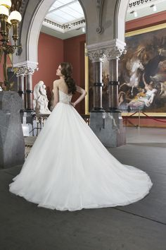 Ivory White $$ - $701 to $1500 Ball Gown Beading Floor Justin Alexander Natural Sash/Belt Sleeveless Strapless Sweetheart Tulle Wedding Dresses Photos & Pictures - WeddingWire.com