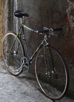 Fixed Gear Gallery :: rawranger new concept Bicycle Rims, Fixed Gear Bicycle, Bici Fixed, Cycling Bikes, Road Cycling, Cycling Equipment, Push Bikes, Pedal, Bicycle Maintenance