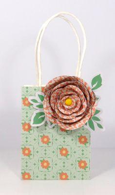 Amanda Coleman Chickaniddy Crafts Flower Gift Bag