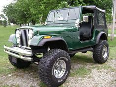 Green Jeep ... lifted <3