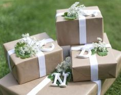 I don't know why kraft paper is so appealing to my this year.  Maybe it's Pinterest.  I think it IS Pinterest!