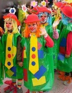 Disfraz infantil pallaso con bolsas de basura Clown Crafts, Circus Crafts, Carnival Crafts, Carnival Themes, Circus Theme, Circus Party, Halloween Crafts, Preschool Circus, Circus Activities