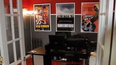 Red, Gray, and White: The Screenwriter's Workspace