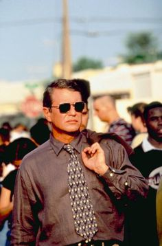 Having first established himself in brooding, aggressive roles, actor Tom Berenger first came to the public's attention as the self-effacing Tom Selleck-like television star in Lawrence Kasdan's. Tom Berenger, Tom Selleck, Love Film, Classic Movies, When Someone, Toms, It Cast, In This Moment