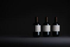 Packaging system for Perdisacca olive oil, hand picked and cold pressed in Istria. Olive Oil Packaging, Wine Rack, Packaging Design, Eyeliner, Web Design, Inspiration, Behance, Biblical Inspiration, Design Web