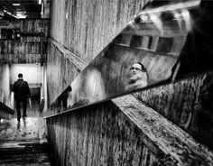 One Last Look by Mirela Momanu. Street photo on UPSP Flickr. http://flic.kr/p/rnEhe1