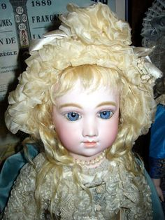 PALMIRA DOLL YAMAZAKI COLLECTION*****COLLECTION *****. Mesmerizing A.T. French antique doll on original leather body