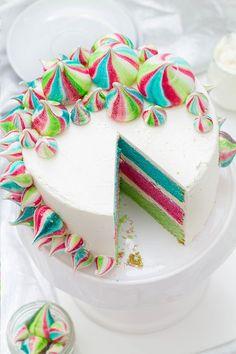 Bunte Baiser Torte_Anschnitt