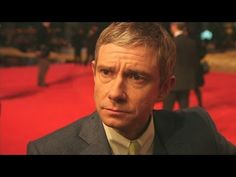 ▶ Martin Freeman at Hobbit premiere: Hilarious interview covers Benedict Cumberbatch's drinking - YouTube
