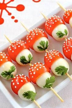 If you want to emphasize on creative and interesting touch , then look at our easy and fun appetizers and snacks recipes. Every kids party needs a fun and Cute Food, Good Food, Yummy Food, Healthy Food, Snack Recipes, Cooking Recipes, Easter Recipes, Recipes Dinner, Snacks Für Party