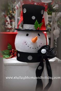 Snowman Head Christmas tree topper visit shelley b home and holiday for more Christmas tree toppers AND our collection of Christmas tree decorator sets.