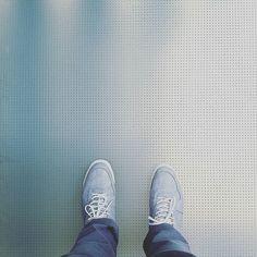 #WhereIStand #FromWhereIStand #Piso #Floor #Floorporn #Geometric #Instagood #IgPhoto #Simbolo #Symbol #Lookfeet #ViewFromTheTop #HappyFeet #Igers #InstaFeetView  #Tile #TileAddiction #Geometry #Geometria by arq.robertobolanos