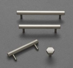 For kitchen drawers. Comtrast between knobs on cabinets and pulls on drawers. Kitchen Cabinet Hardware, Modern Kitchen Cabinets, Kitchen Handles, Cabinet Handles, Kitchen Furniture, Kitchen Drawers, Kitchen Decor, Furniture Handles, Color Plata