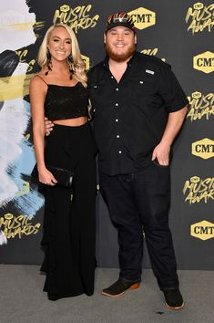 luke combs and nicole hocking celebrity couples cmt Top Country Songs, Best Country Singers, Cute Country Boys, Country Music News, Country Music Stars, Country Artists, Country Life, Dan & Shay, Kane Brown