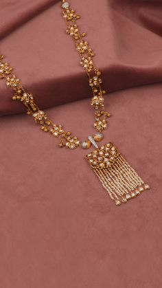 AZVA polki diamond necklace with a pearl fringe and ghungroos Gold Jewelry Simple, Stylish Jewelry, Fashion Jewelry, Indian Jewelry Sets, Gold Jewellery Design, Jewelry Trends, Jewelry Accessories, Necklace Designs, Jewelry Patterns