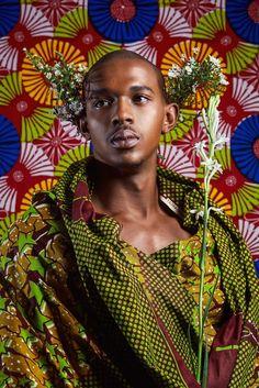 Le webzine de mode et tendance ivoirien BTendance a réalisé un éditorial original où les hommes et le pagne sont à l'honneur. Et ils sont mis à l'honneur de la plus belle manière qui soit: comme des princes, avec comme attirail principal le pagne. Sur les photos, ils portent le pagne à la manière des ...