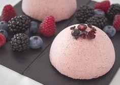 Semifreddo owoce leśne - włoski deser lodowy