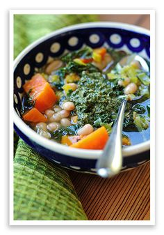 Sweet Potato Soup w/ Walnut Pesto. Sweet Potato Soup w/ Walnut Pesto Goulash, Healthy Soup Recipes, Cooking Recipes, Vegan Recipes, Walnut Pesto, White Bean Soup, White Beans, Sweet Potato Soup, Pesto Recipe