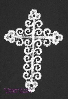 """""""Chapel Cross"""" Original design 1991 by Leslie Saari 7 x worked in Filato per Tombolo de Cantu cotton in white and Madera Glamour 2400 opal A modern adaption of Italian Cantu techniques Crochet Cross, Filet Crochet, Crochet Lace, Types Of Lace, Bobbin Lace Patterns, Needle Lace, Textile Art, Needlework, Arts And Crafts"""
