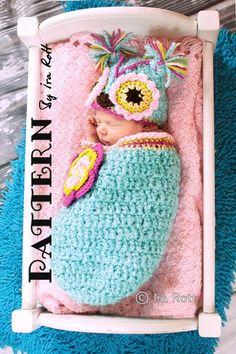Ravelry: Chunky Flower Owl Hat and Cocoon Set - Crochet PDF Pattern pattern by Ira Rott Crochet Baby Cocoon, Crochet Bebe, Crochet Baby Clothes, Newborn Crochet, Knit Or Crochet, Cute Crochet, Crochet For Kids, Crochet Crafts, Crochet Projects