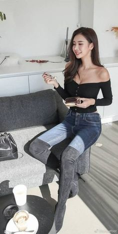 Classy Outfits, Girl Outfits, Cute Outfits, Fashion Outfits, Asian Fashion, Girl Fashion, Womens Fashion, Botas Sexy, Sexy Boots