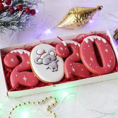 Weihnachten Kekse - New ideas Christmas Sugar Cookies, Christmas Sweets, Christmas Candy, Christmas Baking, Christmas Tree, Ginger Cookies, Iced Cookies, Cookies Et Biscuits, New Years Cookies