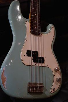 LSL Instruments Balboa Bass Sonic Blue Light Relic  http://www.chuya-online.com/products/91102/index.html