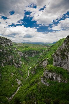 The Vikos Gorge at deep is one of the deepest in the world, indeed the deepest in proportion to its width. It is in almost virgin condition, a haven for endangered species and contains many and varied ecosystems. Places To Travel, Places To Go, Places In Greece, Famous Places, What A Wonderful World, Countries Of The World, Beautiful Islands, Natural Wonders, Mother Earth