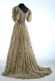Evening dress, ca 1907