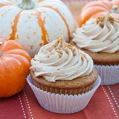 Pumpkin Cupcakes with Biscoff Buttercream - Real Mom Kitchen Biscoff Recipes, Pumpkin Recipes, Cupcake Recipes, Cupcake Cakes, Dessert Recipes, Biscoff Cookie Butter, Buttercream Recipe, Pumpkin Cupcakes, Desserts To Make