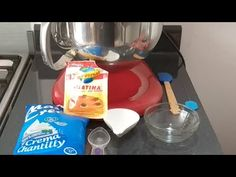 Chantilly extra firme para clima caluroso - YouTube Buttermilk Frosting, Meringue Cookies, Whipped Cream, Mousse, Creme, Fondant, Icing, Cake Decorating, Bakery